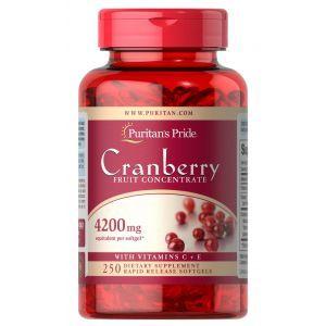 Клюква с витаминами С и Е, Cranberry Fruit Concentrate, Puritan's Pride, фруктовый концентрат, 4200 мг, 250 гелевых капсул